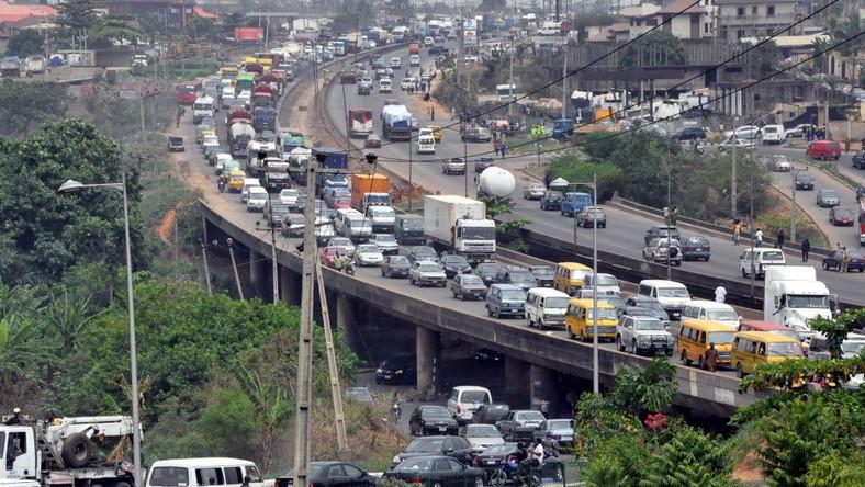 Nigéria, tout est dans les apparences : Les embouteillages à Lagos (Nigéria)