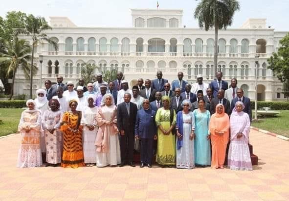Gouvernement du Mali à al sortie du conseil des ministres