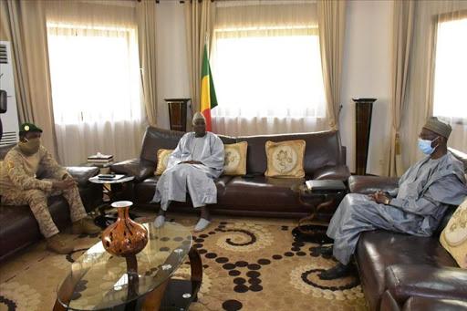 Le trio dirigeants de la transition malienne
