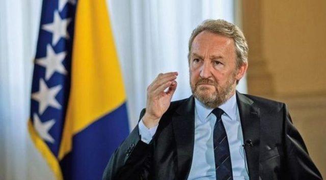Izetbegoviq i thotë Vuçiqit: Kosova dhe Republika Serbe nuk mund të krahasohen, ju kryet gjenocid në Kosovë