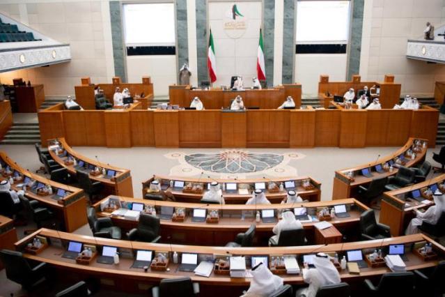 Grushte mes ministrave dhe deputetëve të opozitës në Parlament