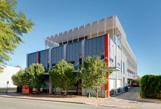 Richard Szklarz Architects - Hood Street 8
