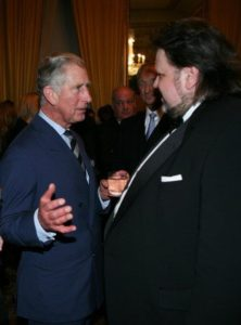 Prins Charles gesels met Johan Botha.
