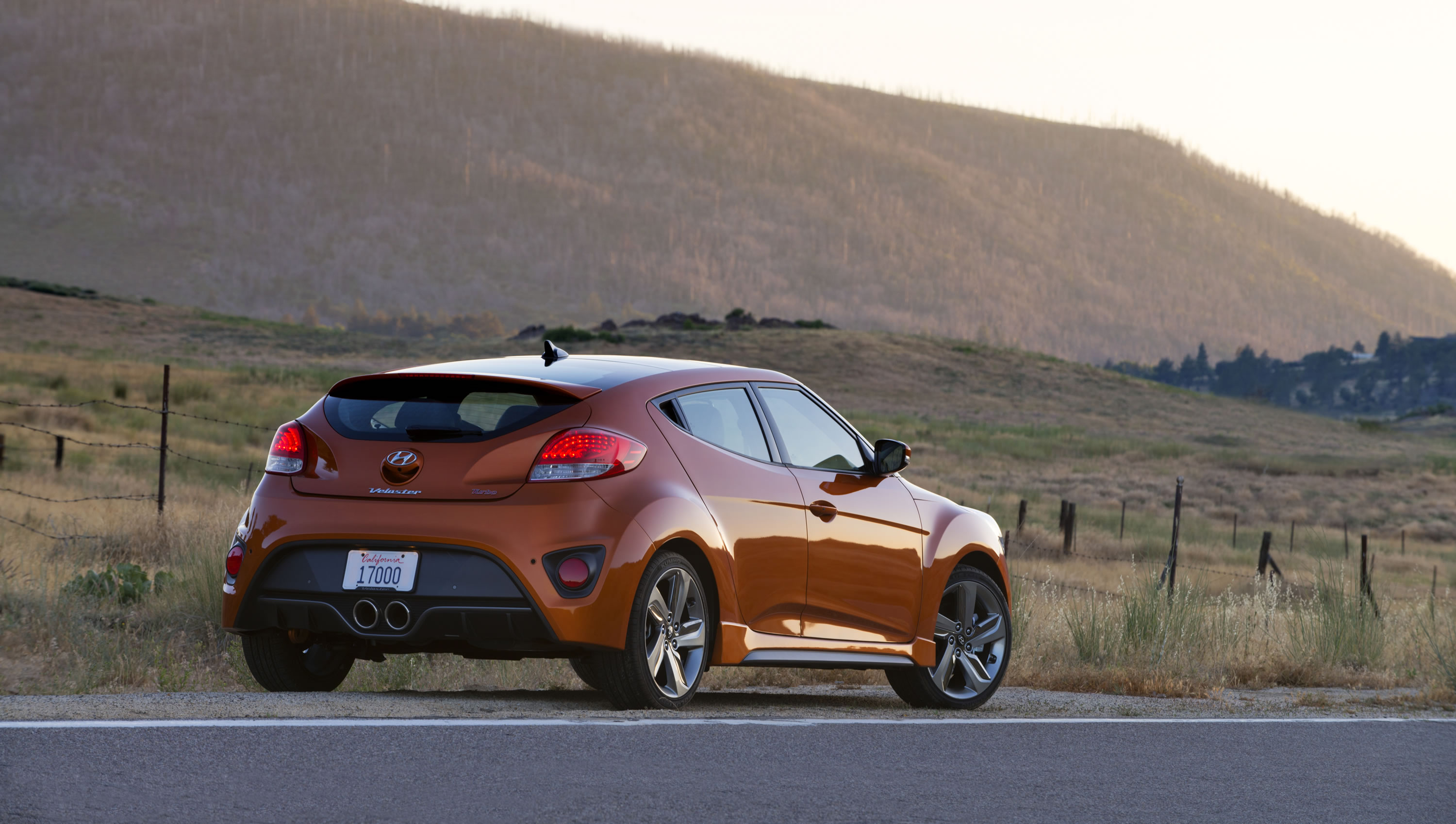 2014 hyundai veloster turbo photos specs and review rs