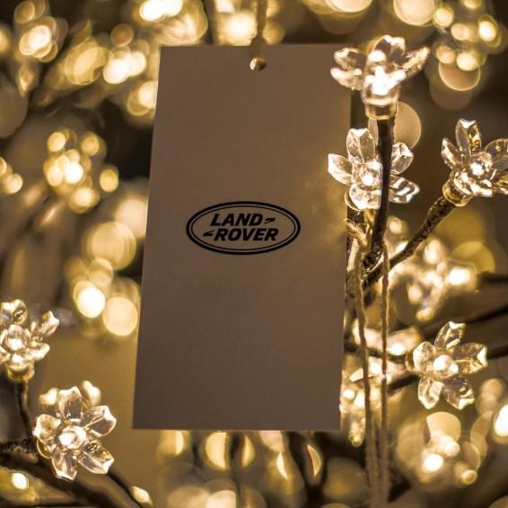 Land Rover 70 years a Cortina