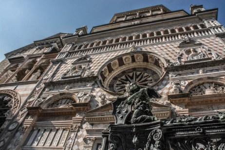 Cappella Colleoni, facciata e stemma