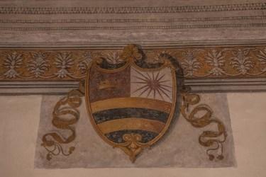 Emblema del Mantegna con il sole, simbolo del Casato dei Gonzaga. Affresco di Andrea Mantegna all'interno della sua casa