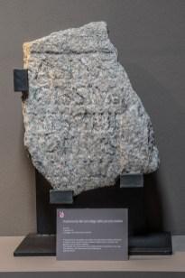 Frammento di un sarcofago del II sec. rinvenuto a Cureggio, con dedica alla piccola Sabina. deceduta a 4 anni. TAM, Cureggio