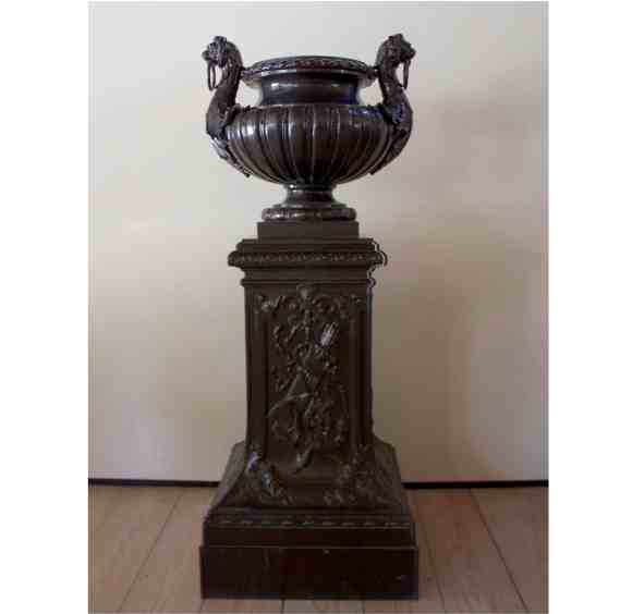 french-cast-urn