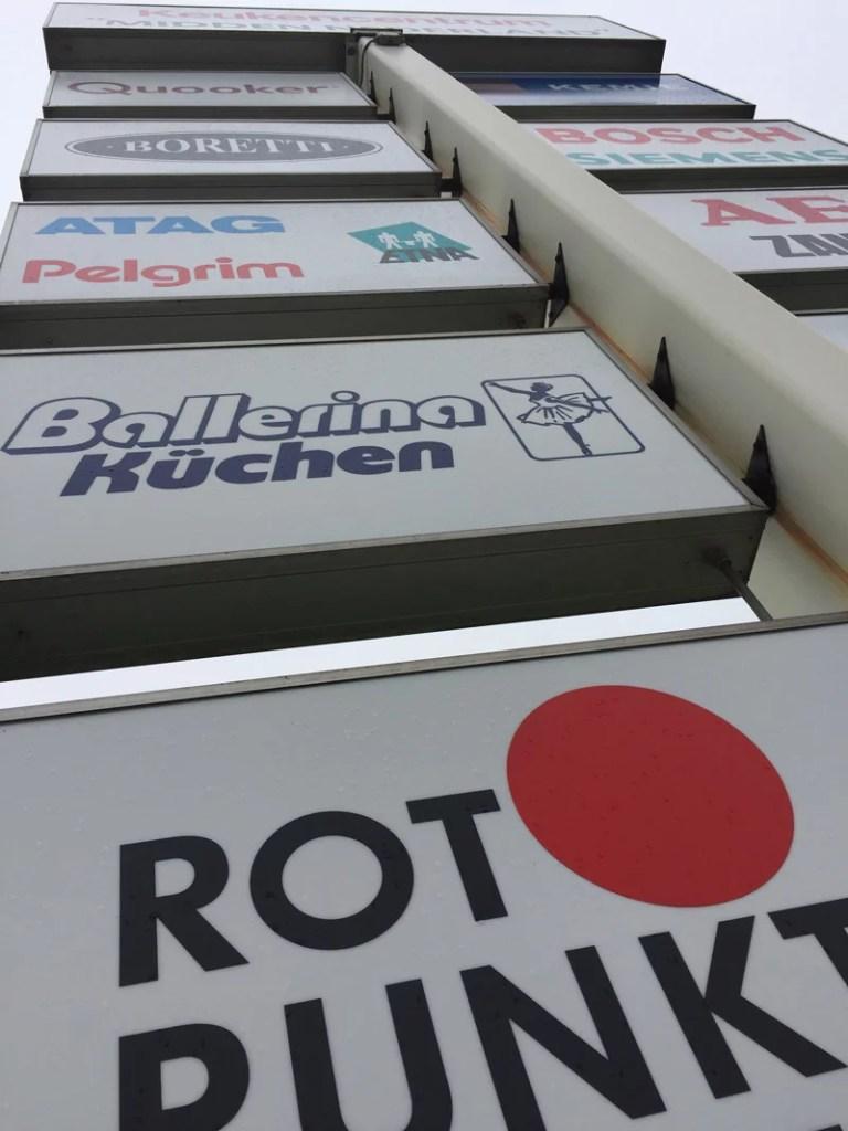 Voorbeelden van One Way Vision stickers - gaatjes stickers