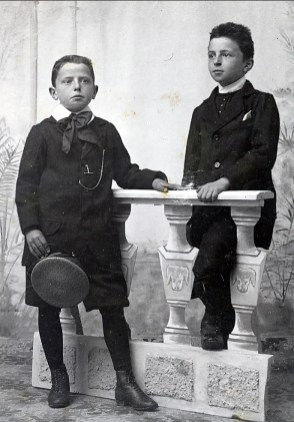 1900, approx Frans et Johan der Kinderen