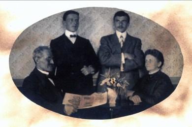 1911, Belgoville, Arnold, Jean (Onkel), François et Johanna der Kinderen