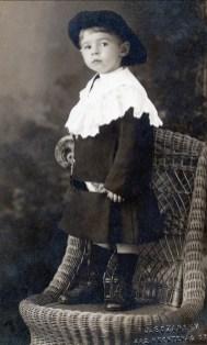 1915, approx Albert Thivierge
