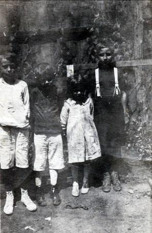 1917, approx Ti-Lou Bergeron, Albert et Laurette Thivierge, Kenny