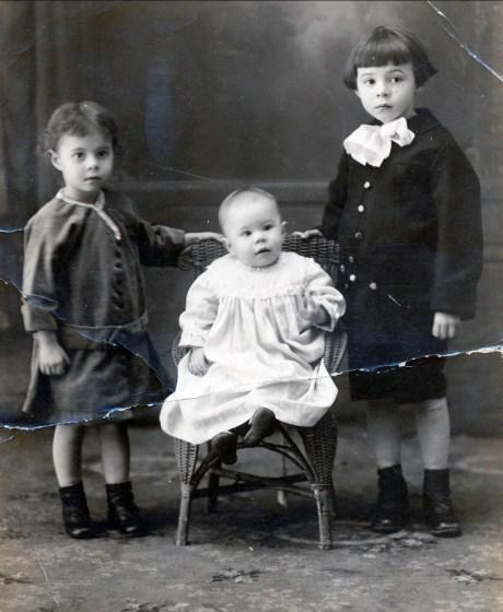 1919, Laurette, Rita et Albert Thivierge