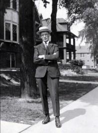 1919, Onkel en voyage