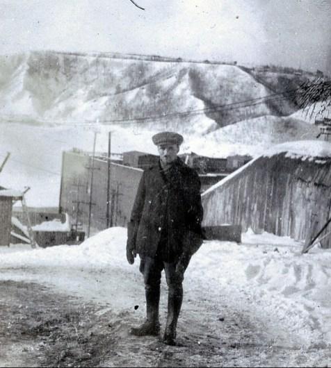 1920, François de Kinder en habit de travail