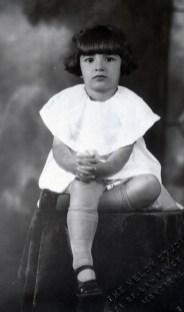 1923, approx Gabrielle de Kinder