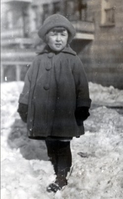 1924, 2 mars Henriette de Kinder la belle demoiselle