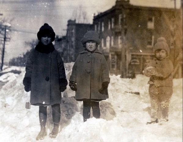 1924, Jeanne, Henriette et Gaby de Kinder