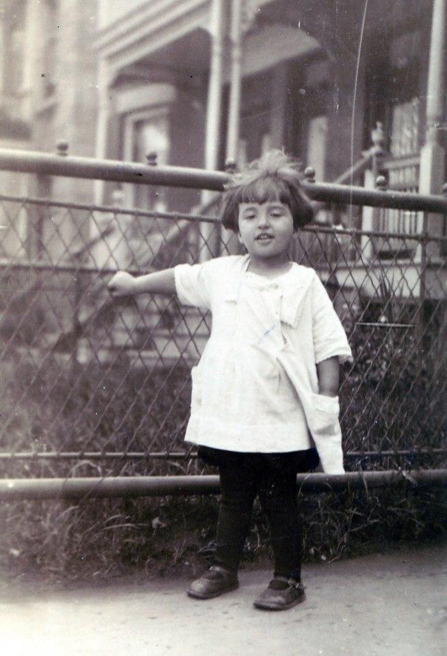 1925, approx Gaby de Kinder