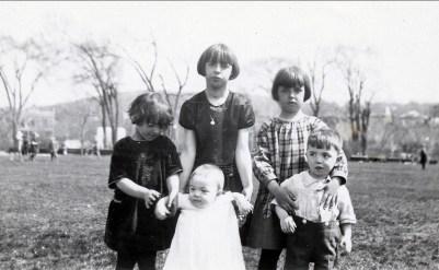1926, 16 mai, Gaby et Jeanne avec Robert et Henriette avec Louis de Kinder