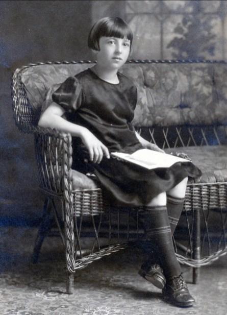 1926, Jeanne de Kinder le jour de son anniversaire