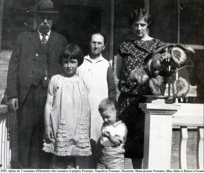 1927, séjour de 7 semaines d_Henriette chez ses grands parents Fournier.