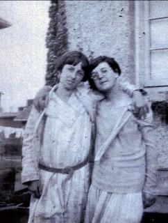 1929, Jeanne et Cécile Joly