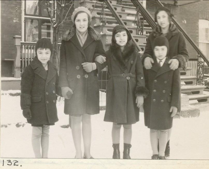 1931, déc. Robert, Henriette, Gaby, Jeanne avec Louis de Kinder
