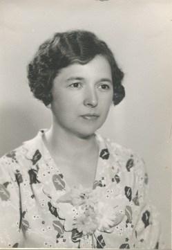 1937, Germaine de Kinder