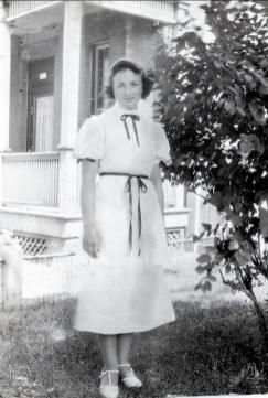 1937, Henriette de Kinder - 5755 rue Waverly