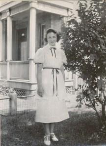 1937, Henriette de Kinder
