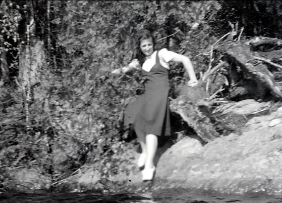 1939, Henriette