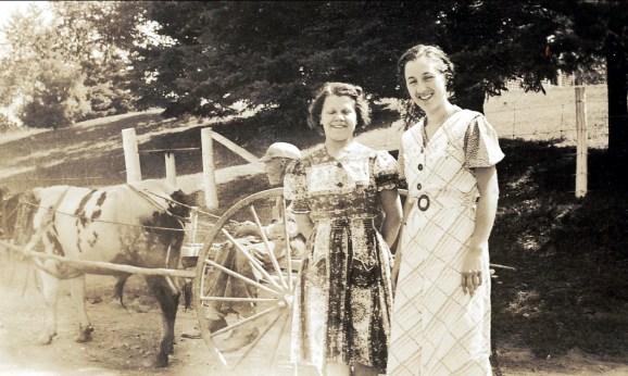 1939, Jeanne à St-Didace à la ferme des Hamelin