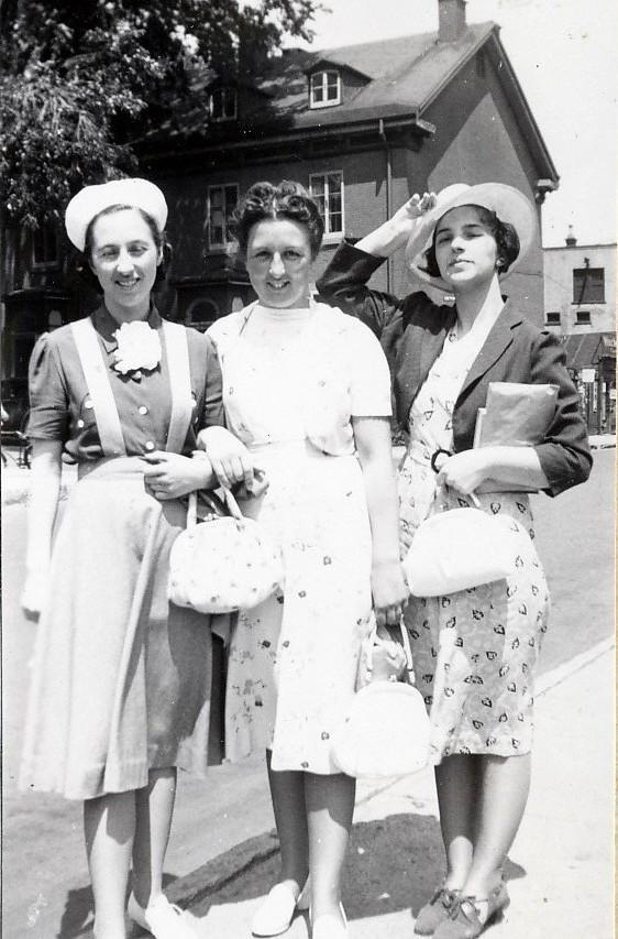 1939, Jeanne, Henriette et Gaby