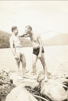 1940, approx Albert avec.....