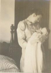 1941, Henriette avec Paulette