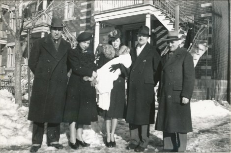 1941, baptême - Elzéar Fournier, Germaine, marraine avec Paulette, Horace Thivierge et François de Kinder