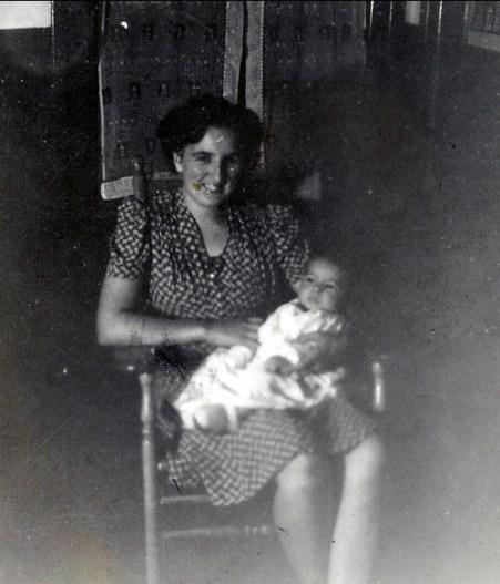 1942, Henriette et Marc (3 mois)