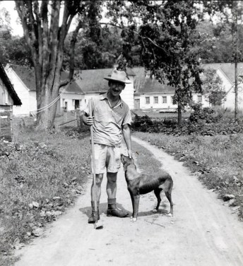 1942, Jean-Paul Naubert à la ferme de M. Parent à St-André