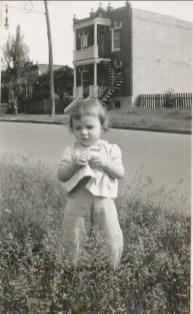 1942, Paulette