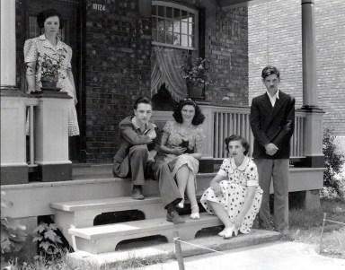 1943, Germaine, Robert, Claire Hamelin, Gaby et Louis