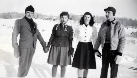 1943, Lac aux castors - François, Gaby, Claire Hamelin et Robert