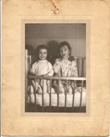 1946, Irène et Paulette Thivierge