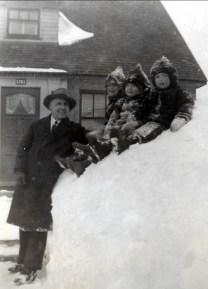 1946, Meneer Theo Kemper et enfants