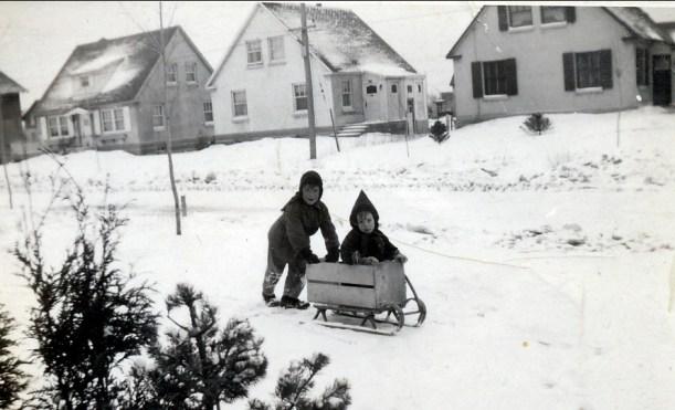1947, Marc et Bobby