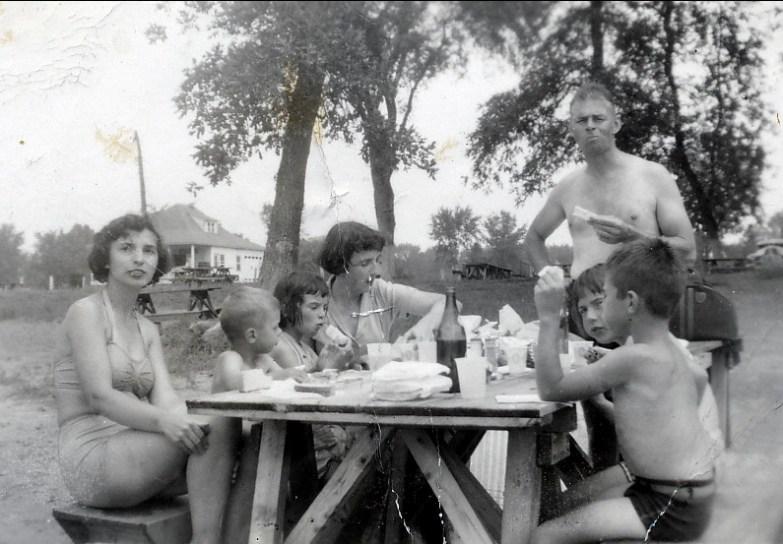 1948, Cap St-Jacques - Gaby, Bobby, Irène, Henriette, Paulette et Marc