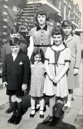 1948, 1e Jimmy et Hélèna Sofio, Irène Thivierge -2e Marc, Françoise et Paulette Thivierge