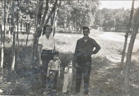 1949, Laurette, Jim, Hélèna et Johnny Sofio